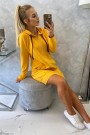 Geltonas ilgas džemperis su kapišonu