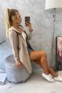Smėlio spalvos ilgas džemperis su kapišonu