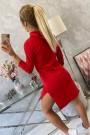 Raudona suknelė su piešiniu