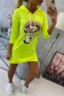 Geltona neoninė suknelė su piešiniu